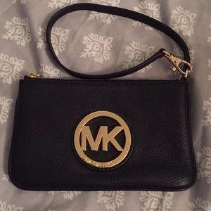 👜Black Leather Michael Kors Wristlet👜